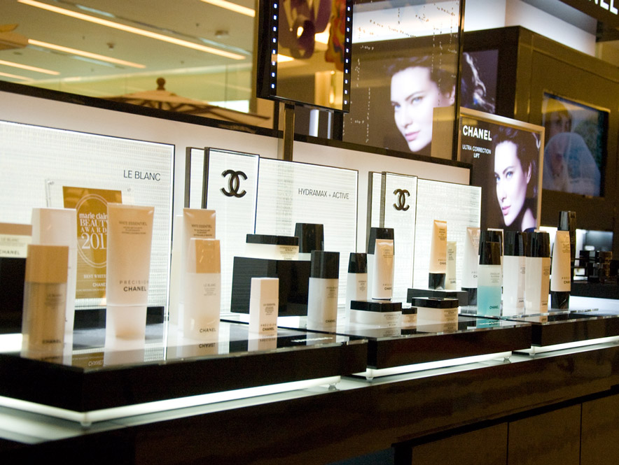 Chanel Le Blanc Make-up Bar