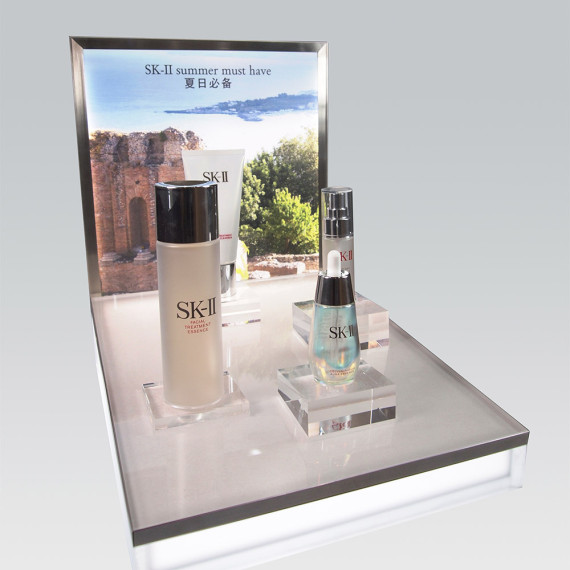 : : PoS SOLUTIONS : : SK-II Summer Must-Haves Display